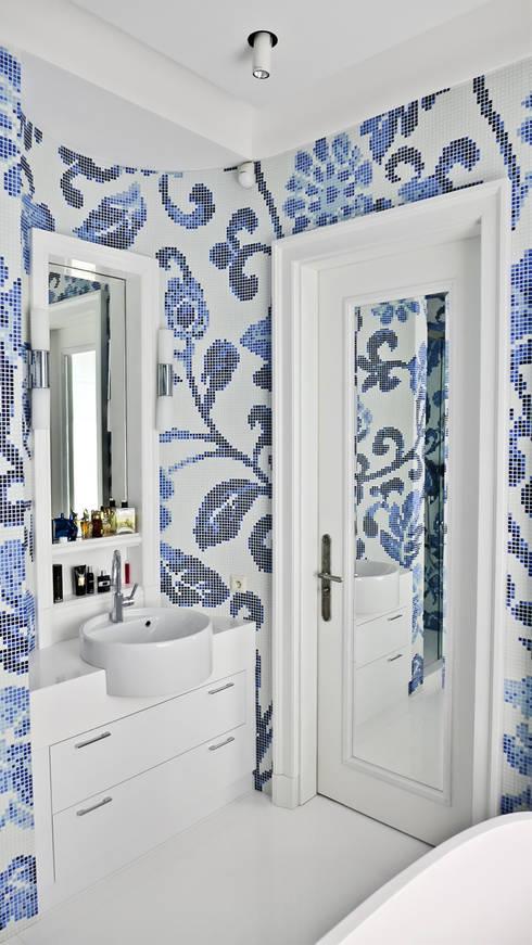 apartament eco prak: styl , w kategorii Łazienka zaprojektowany przez PIKSTUDIO