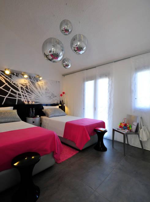 Residência Privada Vilamoura: Quartos  por Leonor Moreira Romba - Arquitecturas