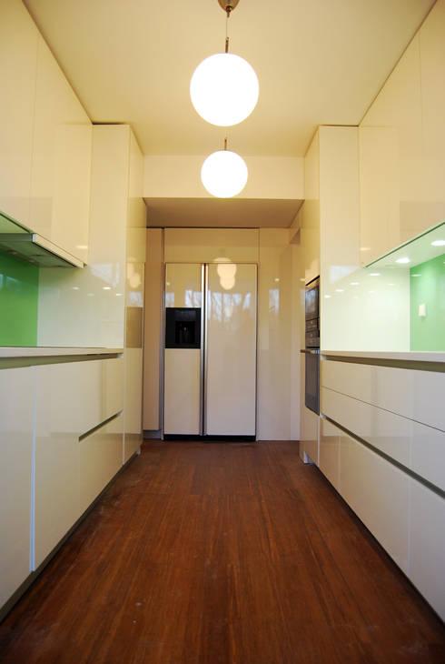 Kitchen by Teresa Pinto Ribeiro | Arquitectura |