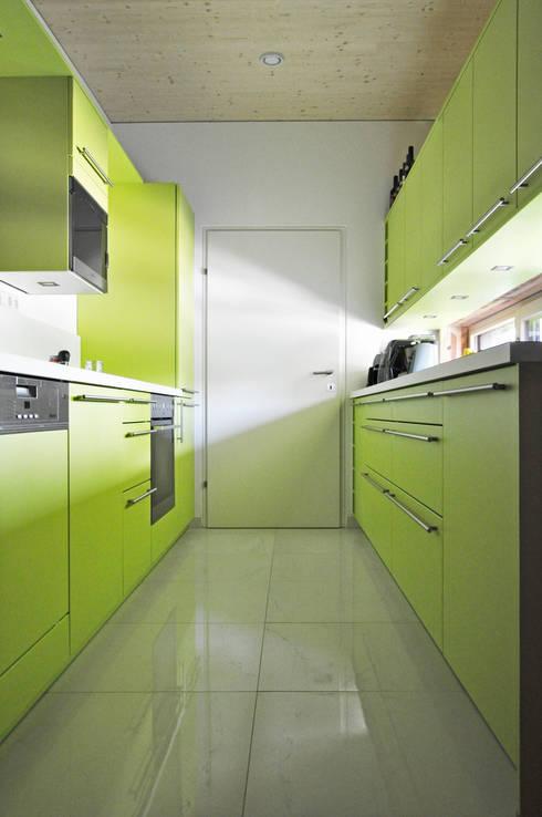 Küche: moderne Küche von Architekt DI Stefan Klein