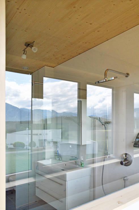 Baños de estilo  por Architekt DI Stefan Klein