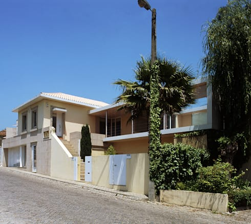Casa Olimpio: Casas modernas por Arqtª Manuela Soutinho