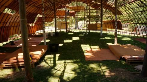 A Cabana: Jardins modernos por Terrapalha