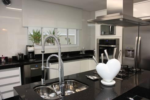 COZINHA: Cozinha  por Leticia Prodocimo - LPA ARQUITETURA