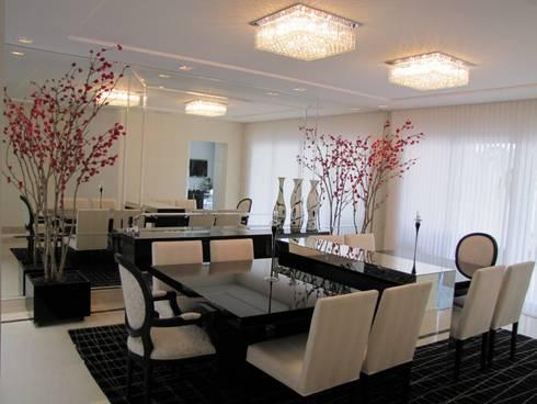 SALA DE JANTAR ESPELHADA: Sala de jantar  por Leticia Prodocimo - LPA ARQUITETURA