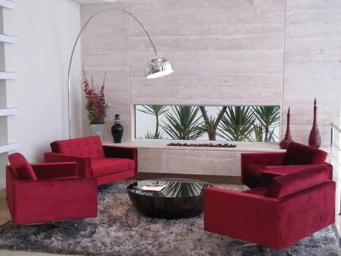 SALA LAREIRA: Sala de estar  por Leticia Prodocimo - LPA ARQUITETURA