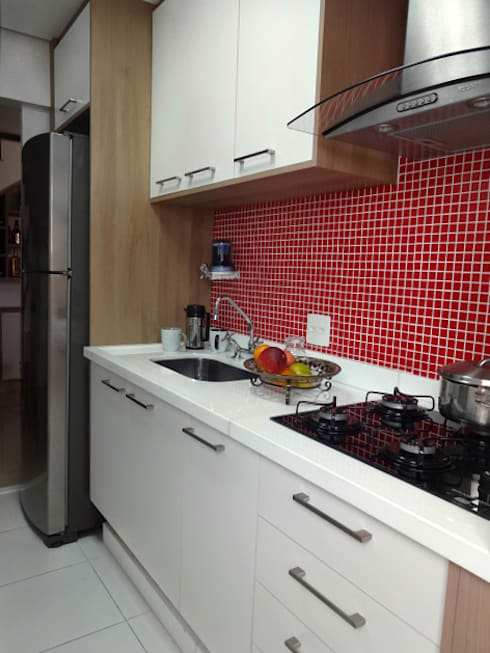 Cozinha Pequena: Cozinhas modernas por Odete Brito