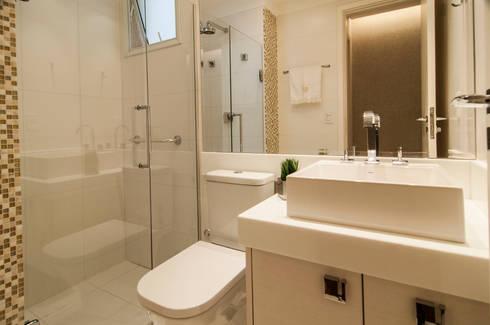 Banho Social: Banheiros modernos por LC ARQUITETURA