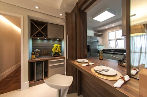 Sala de Jantar integrada com a cozinha: Salas de estar modernas por LC ARQUITETURA