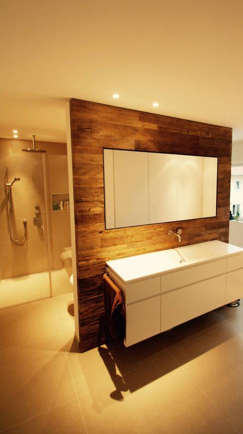 Projekty,  Łazienka zaprojektowane przez moser straller architekten