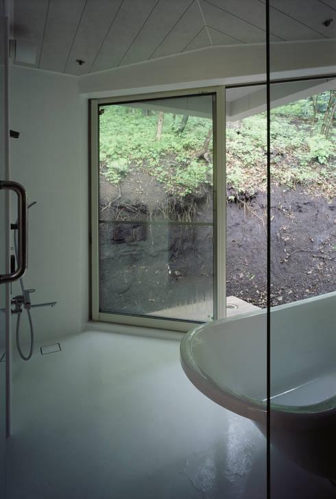 Phòng tắm by 高田事務所