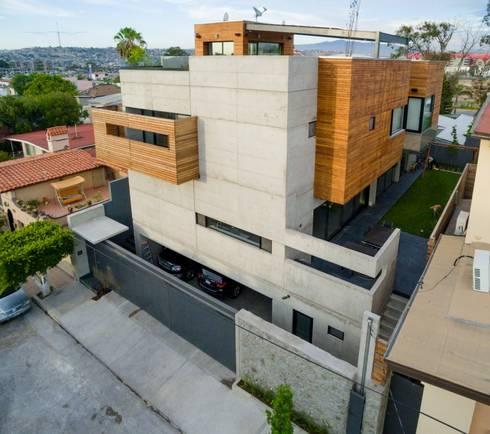 Casa Z: Casas de estilo moderno por Guillot Arquitectos