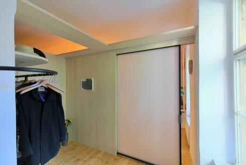 raumgewinn durch einbau einer garderobe von allmermacke homify. Black Bedroom Furniture Sets. Home Design Ideas