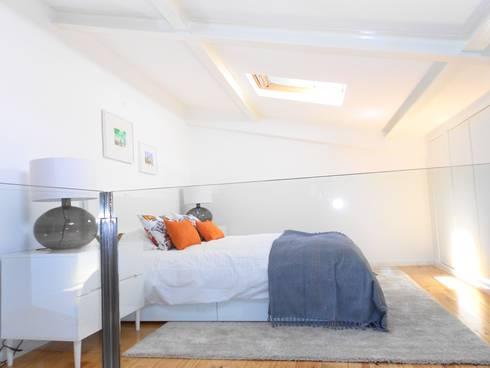 Apartamento em São Bento: Quartos modernos por Interiores com alma