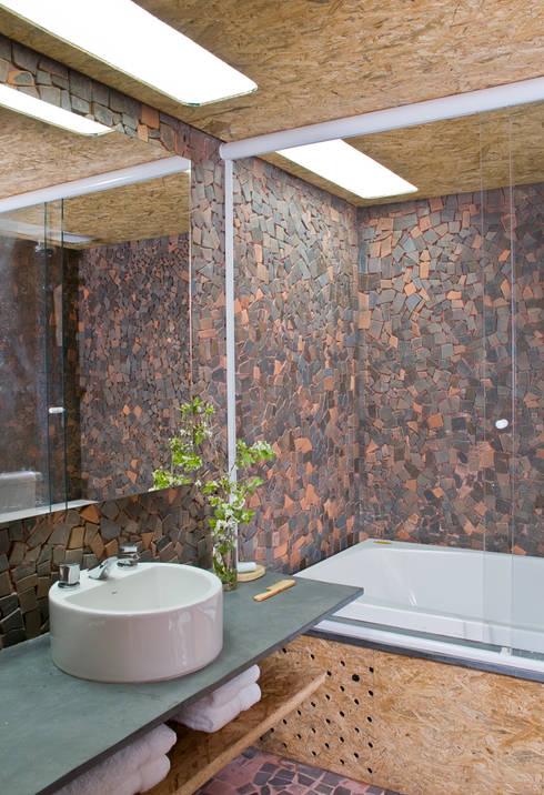 Baños de estilo  por Carlos Bratke Arquiteto
