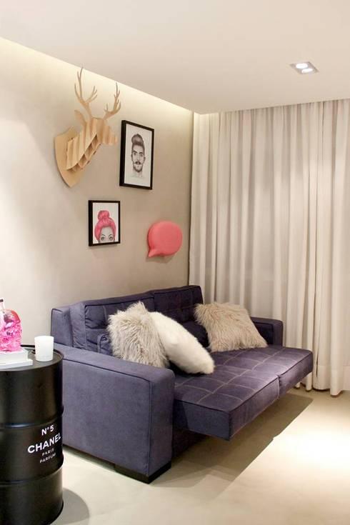 Reforma Apartamento Guarapari: Salas de estar modernas por STUDIO 52