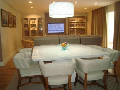 APARTAMENTO 240m²: Salas de jantar modernas por Nanci Pedro Arquitetura