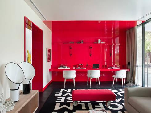 MODERN&DARING: Salas multimédia modernas por SA&V - SAARANHA&VASCONCELOS