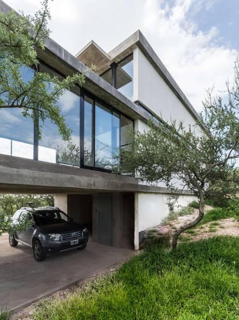 CASA NIETO: Casas de estilo moderno por ARP Arquitectos