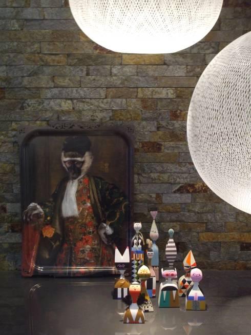 Moradia de férias M+PR: Salas de estar modernas por Space Invaders _ Arquitectura e Design