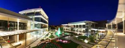 SAN TELMO: Jardines de estilo moderno por DILARQ