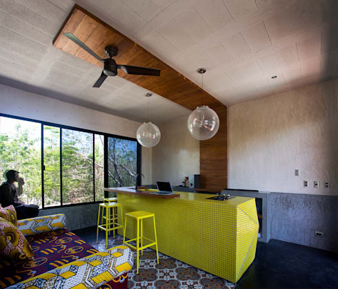 Casa T: Salas de estilo moderno por Studio Arquitectos
