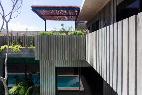 Casa T: Casas de estilo moderno por Studio Arquitectos