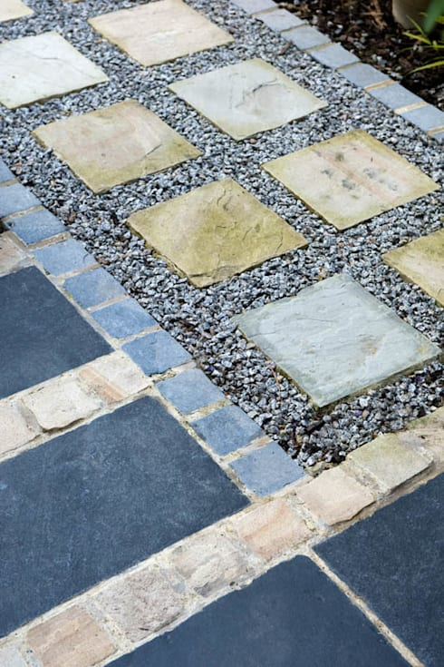 Sandstone, Slate and aggregate path and paving: modern Garden by Earth Designs