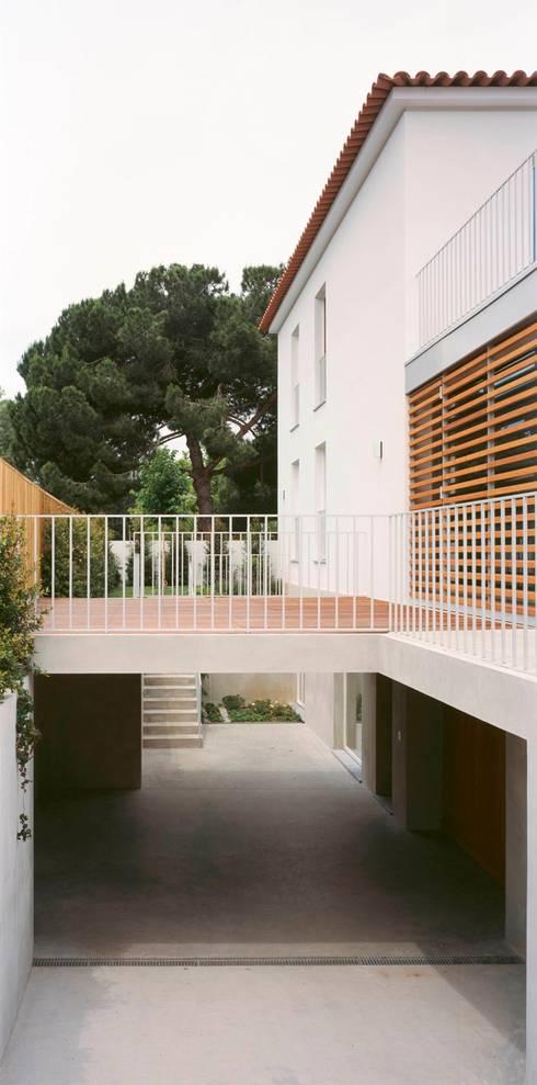 Casa HDM: Casas  por SAMF Arquitectos