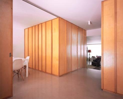 Casa HDM: Salas de jantar modernas por SAMF Arquitectos