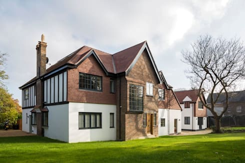 Frost Architects Ltd: modern tarz Evler
