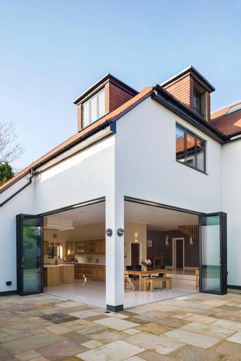 Projekty, nowoczesne Domy zaprojektowane przez Frost Architects Ltd