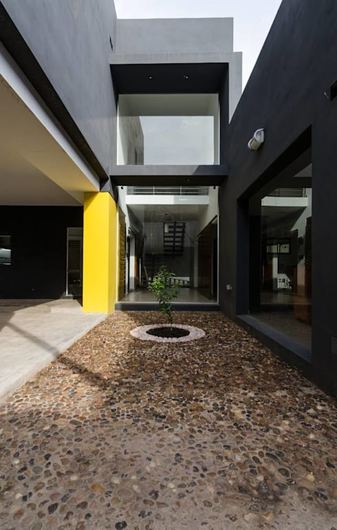 Casa Los Tipales  L78: Casas de estilo moderno por APPaisajismo