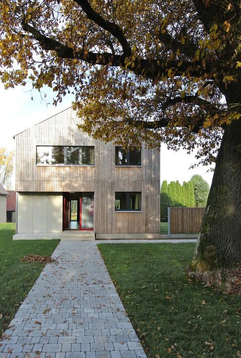 Südostansicht, Eingang: moderne Häuser von VS Volker Schmidt Architekten