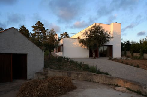 Casa Eira: Casas modernas por SAMF Arquitectos