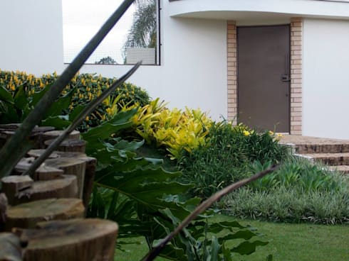Projeto C.M.: Jardins campestres por Amaury Neto Paisagismo