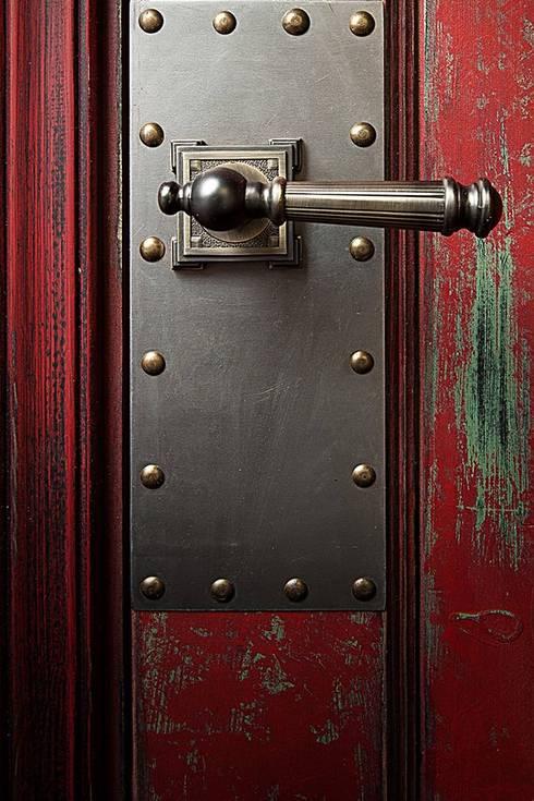 дверь металлическая стиль