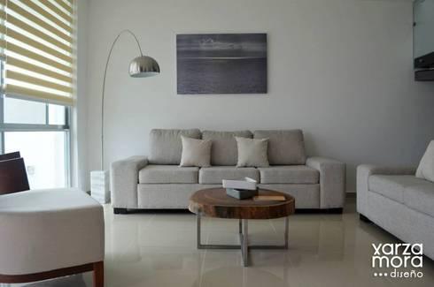 Casa muestra: Salas de estilo minimalista por Xarzamora Diseño