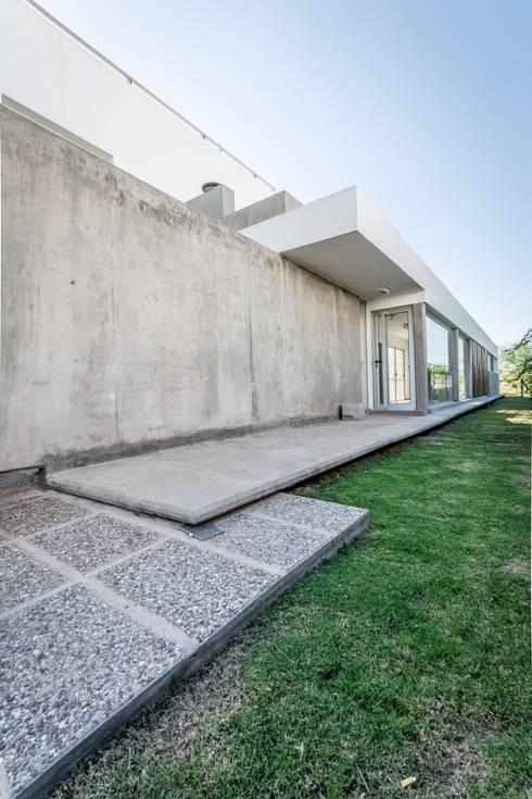 Projekty,  Domy zaprojektowane przez barqs bisio arquitectos