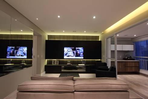 Apartamento Ânima Clube: Salas multimídia minimalistas por ArchDuo Arquitetura