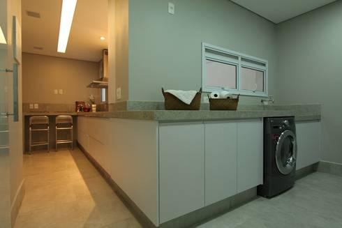Apartamento Ânima Clube: Cozinhas minimalistas por ArchDuo Arquitetura