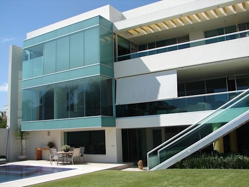 Casa Agave: Casas de estilo moderno por AD ARQUITECTOS