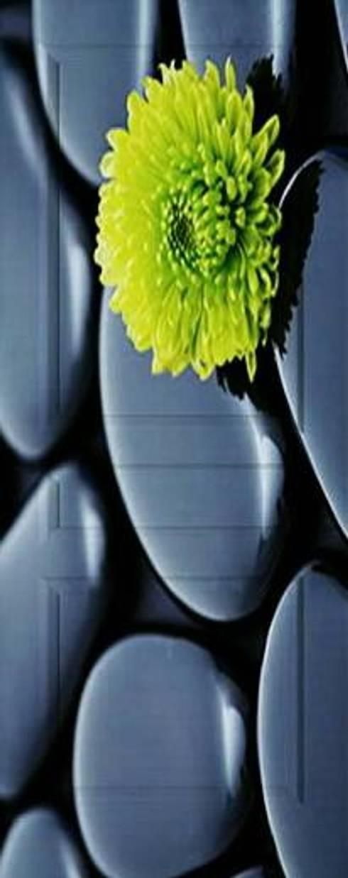 PUERTAS DE INTERCOMUNICACIÓN CON  IMPRESIÓN DE IMAGEN.: Puertas y ventanas de estilo moderno por Utopia Interiorismo