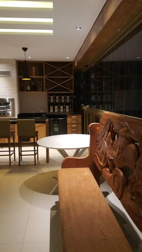 Terraços  por Lucio Nocito Arquitetura e Design de Interiores