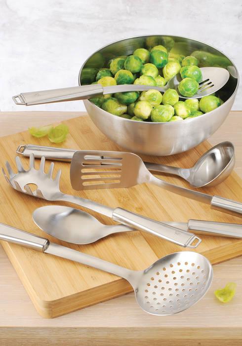 Utensílios de servir em aço inox: Cozinha  por DeBORLA