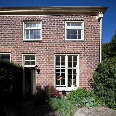 Casa Leiden : Casas campestres por SAMF Arquitectos