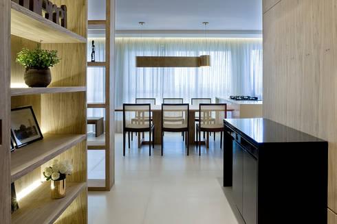 Pestana Arquitetura: Salas de jantar modernas por Pestana Arquitetura Concept