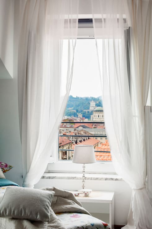 Appartamento Torino Centro storico: Finestre in stile  di Loredana Vingelli Home Decor