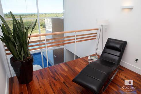Casa : Salas de estar modernas por Livia Tavares - Homify