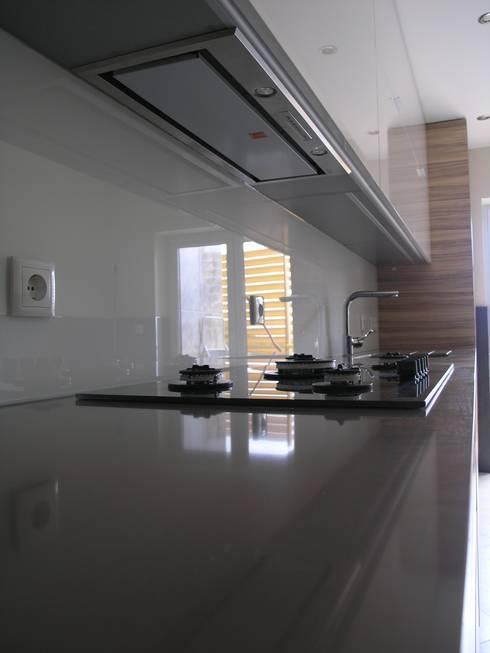 Sand: Cozinha  por Cenariwood
